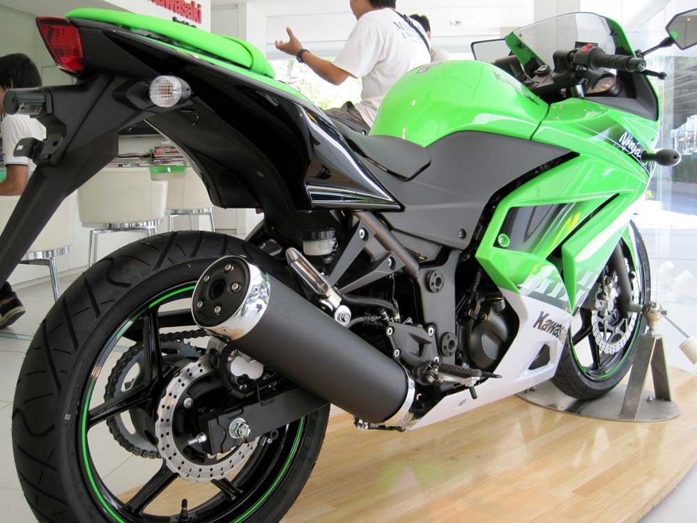First Look! 2010 Kawasaki Ninja 250R Special Edition