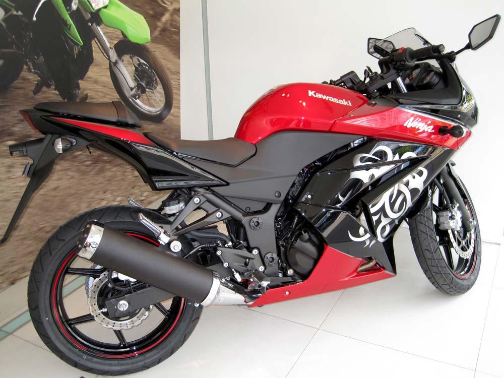 First Look! 2010 Kawasaki Ninja 250R Special Edition